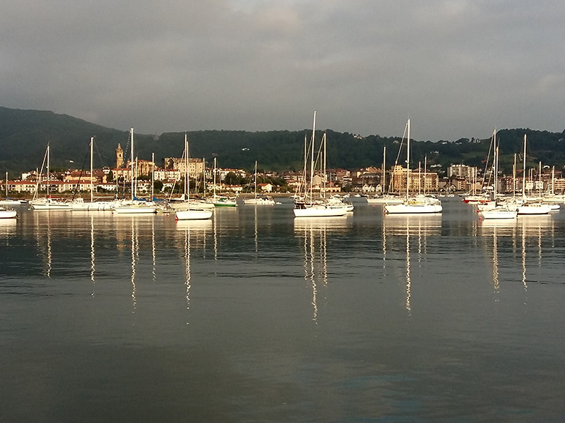 how to get from san sebastian to hondarribia